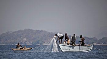 fishermen_malawi_w
